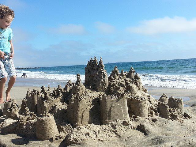 como hacer un castillo de arena
